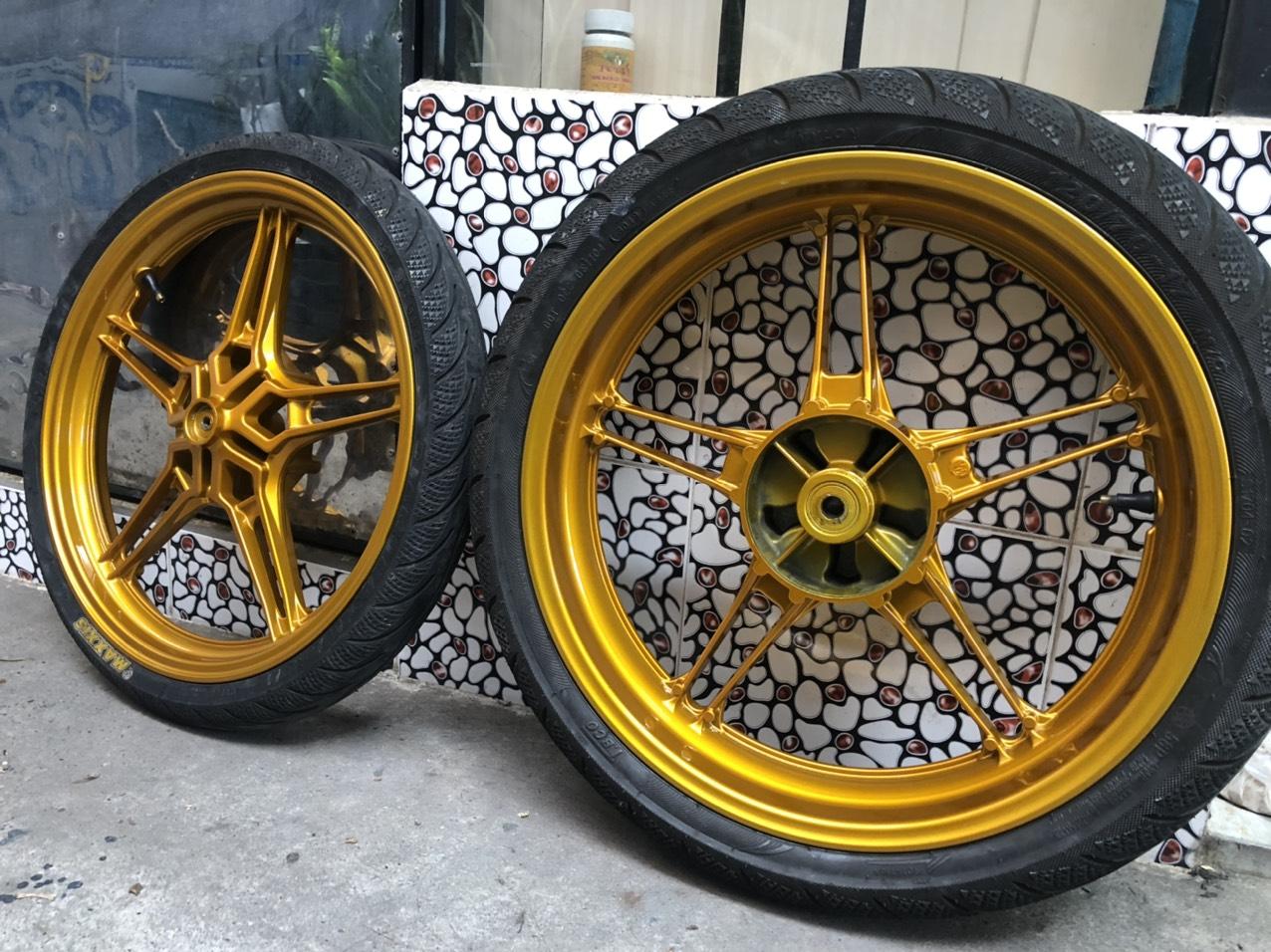 Sơn mâm xe màu vàng Crôm siêu đẹp