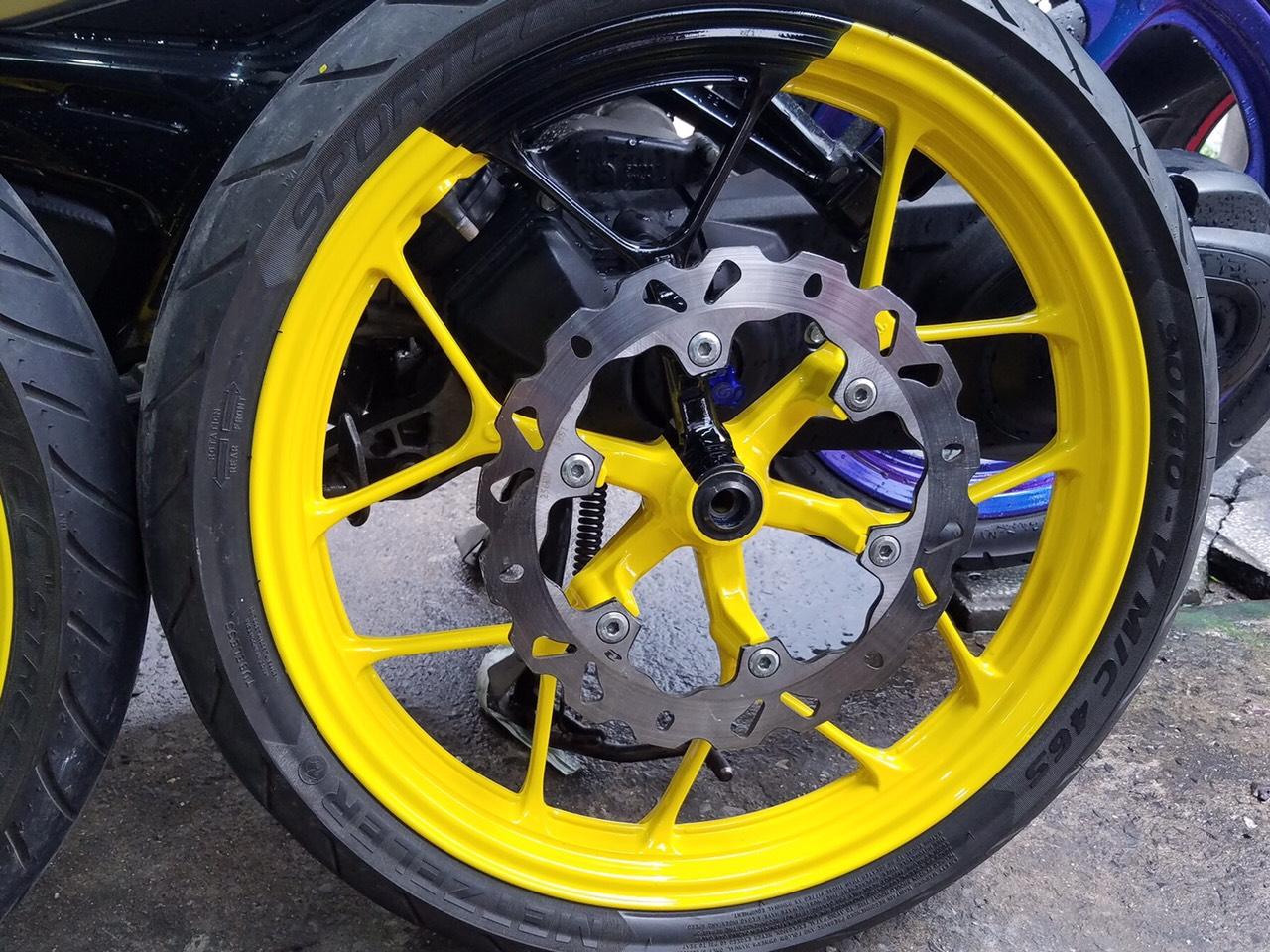 Sơn mâm xe Honda màu vàng tại tphcm