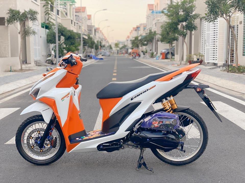Sơn xe Vario màu cam trắng đầy lịch lãm