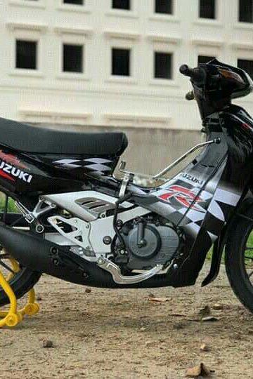 Sơn Xe Suzuki Sport Màu Đen Bóng Huyền Thoại